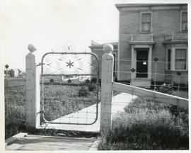 Castalia, showing gate to Dr. J. F. Macaulay's house and office.  Photo 1908
